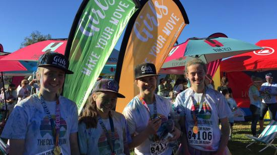 Group of girls at color run event adelaide